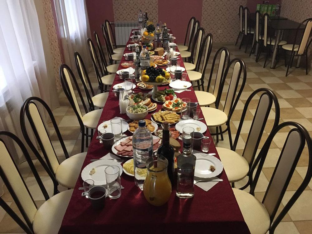 Поминальный обед в Кобрине, Дрогичине